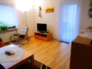 Ferienwohnung Bäumner, Апартаменты  Bad Berleburg - big - 2