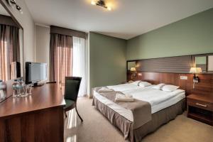 Hotel Piaskowy, Отели  Пщина - big - 6