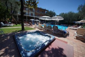 Hotel Alpi, Hotel  Malcesine - big - 19