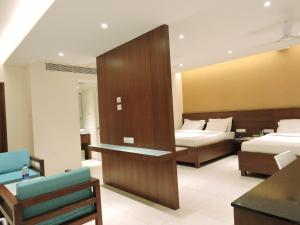 Gayathri Hotels, Отели  Tiruppūr - big - 3