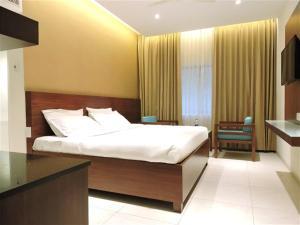 Gayathri Hotels, Отели  Tiruppūr - big - 5