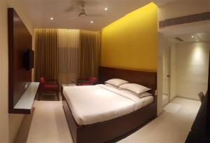 Gayathri Hotels, Hotels  Tiruppūr - big - 21
