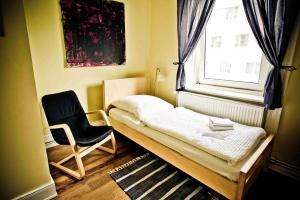 Einzelzimmer mit Gemeinschaftsdusche und -WC