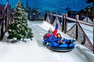Duplex Aspen Ski Chalet - Including access to Ski Dubai for 2