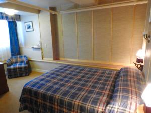 Economy Double Room - Half Basement