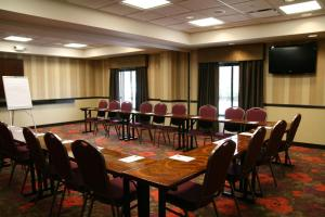Hampton Inn & Suites Detroit/Airport Romulus, Hotels  Romulus - big - 11