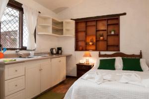 Apartment 8 Studio