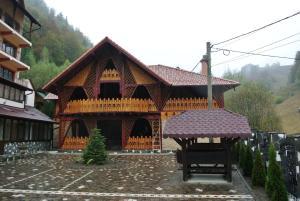 Pensiune Restaurant Piatra Craiului, Гостевые дома  Dîmbovicioara - big - 63