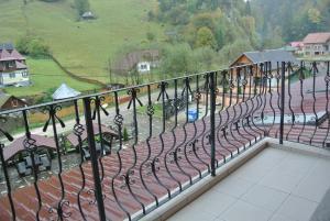 Pensiune Restaurant Piatra Craiului, Гостевые дома  Dîmbovicioara - big - 56