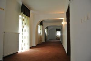 Pensiune Restaurant Piatra Craiului, Гостевые дома  Dîmbovicioara - big - 42