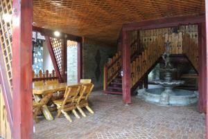Pensiune Restaurant Piatra Craiului, Гостевые дома  Dîmbovicioara - big - 50