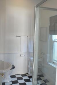 大号床间 - 带淋浴