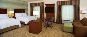 Queen Suite with Two Queen Beds - Mobility/Hearing Access - Non-Smoking