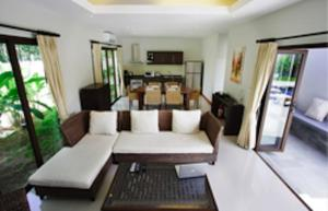 Villa Suksan Rawai, Villen  Rawai Beach - big - 51