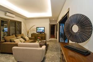 Villa Suksan Rawai, Villen  Rawai Beach - big - 8