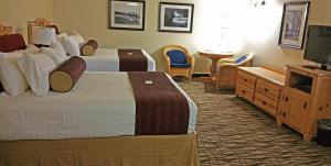 Cherry Tree Inn and Suites, Отели  Traverse City - big - 15