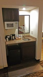 Cherry Tree Inn and Suites, Отели  Traverse City - big - 16