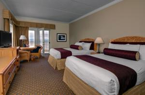 Cherry Tree Inn and Suites, Отели  Traverse City - big - 13