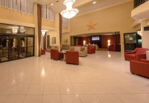 Ramada by Wyndham Houston Intercontinental Airport East, Отели  Хамбл - big - 40
