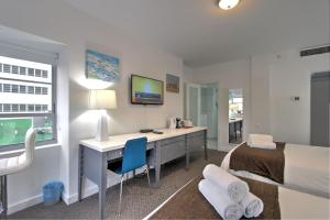 Deluxe Studio Apartment With Two Double Beds