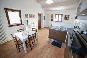 Country House Ca' Brunello, Дома для отпуска  Урбино - big - 23