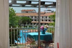 Residence Selenis, Apartments  Caorle - big - 4