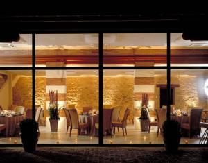 Domaine de La Corbe, Bed and Breakfasts  Bournezeau - big - 36