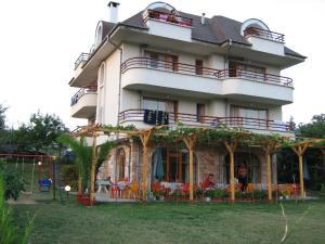 Villa Victoria