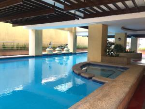 Short Term Rentals Makati Parkplace, Apartmány  Manila - big - 3