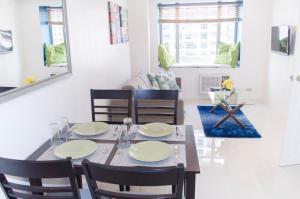 Short Term Rentals Makati Parkplace, Apartmány  Manila - big - 15