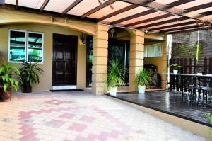Homestay4u 14pax 2 Storey Vacation Homes, Nyaralók  Subang Jaya - big - 11