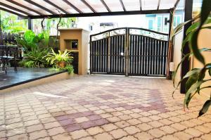 Homestay4u 14pax 2 Storey Vacation Homes, Nyaralók  Subang Jaya - big - 12