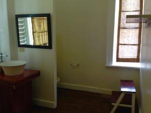 Cama em Dormitório Misto com 6 Camas