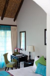 Standard Doppel- oder Zweibettzimmer mit Gartenblick
