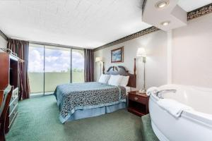 King Room with Jacuzzi and Balcony - Non-Smoking