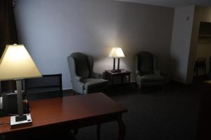 Executive Suite - Non-Smoking