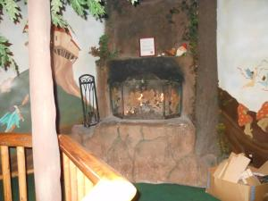 Castle Wood Theme Cottages- COUPLES ONLY, Hotels  Big Bear Lake - big - 26