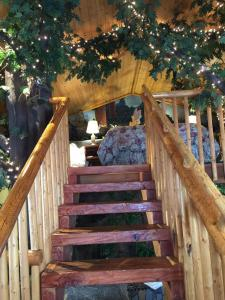 Castle Wood Theme Cottages- COUPLES ONLY, Hotels  Big Bear Lake - big - 27