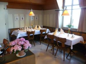 Hotel Speiserestaurant Bahnhof, Hotely  Güttingen - big - 44