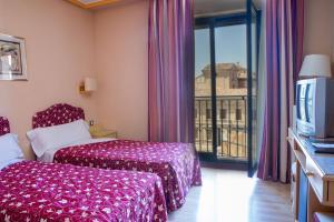Hotel Tibur, Hotely  Zaragoza - big - 27