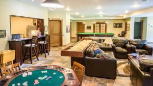 Noble House Suites B&B, Bed and Breakfasts  Grand Forks - big - 18