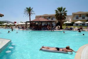 Zorbas Beach Hotel, Hotely  Tigaki - big - 12