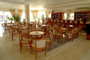 Zorbas Beach Hotel, Hotely  Tigaki - big - 68