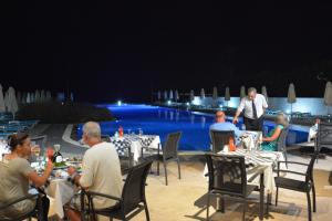 Zorbas Beach Hotel, Hotely  Tigaki - big - 35