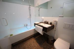 Hotel Astoria Gent, Отели  Гент - big - 32
