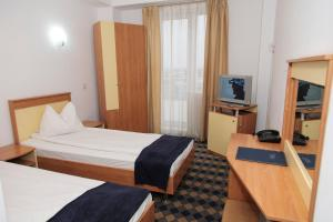 Plus Hotel, Hotely  Craiova - big - 18
