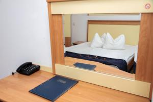 Plus Hotel, Hotely  Craiova - big - 15