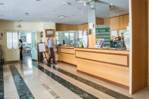 Hotel Tibur, Hotely  Zaragoza - big - 75