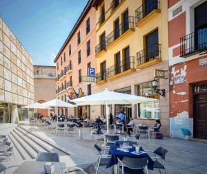 Hotel Tibur, Hotely  Zaragoza - big - 58