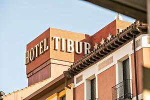 Hotel Tibur, Hotely  Zaragoza - big - 48